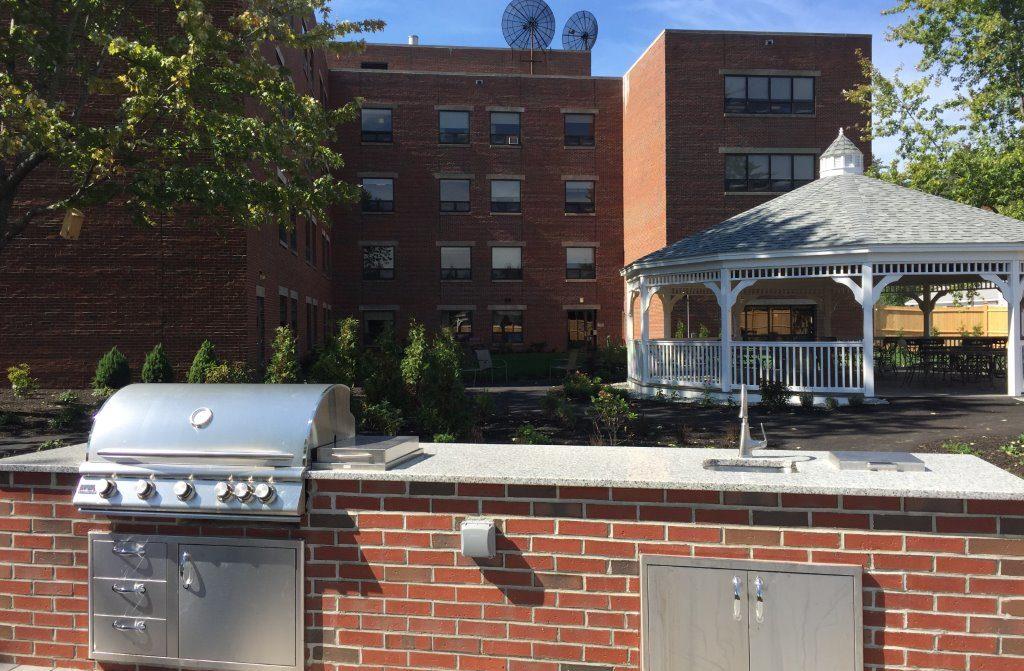 Fall 2017 – Outdoor Kitchen at June's Garden